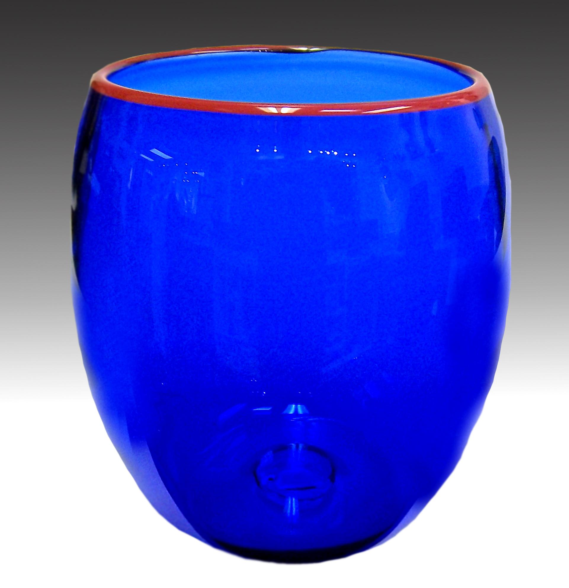 blue-red-lip-transparent-gradient